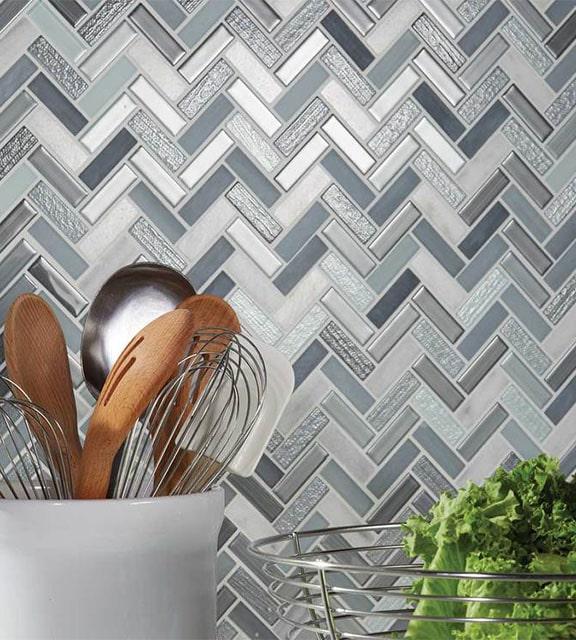 Ceramic grey and white backsplash in kitchen